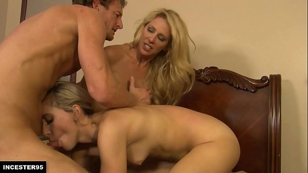 Dad, mom and daughter in an epic threesome